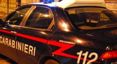 strada-statale-16-carabinieri-inseguimento-scaglia-bombole-gas-Cronaca