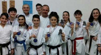 karate--9-medaglie-per-la-asd-leone-nella-coppa-puglia-csen-Sport