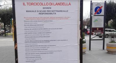 il-torcicollo-di-landella-a-foggia-manifesti-del-pd-contro-il-sindaco-Politica