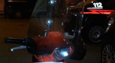 foggia-scippo-donna-scooter-arancione-fuga-arresti-carabinieri-Cronaca