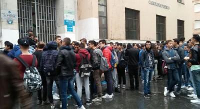 scuola-protesta-foggia-studenti-masi-trasferimento-classi-poerio-Società