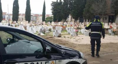 foggia-polizia-locale-denuncia-furti-cimitero-Cronaca