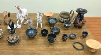 arresto-stalker-era-a-casa-di-donna-con-beni-archeologici-rubati-Cronaca