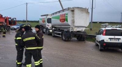 Incidente camion Amendola