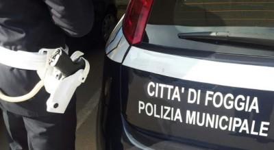foggia-ubriaco-minaccia-clienti-bar-centro-arrestato-polizia-locale-Cronaca