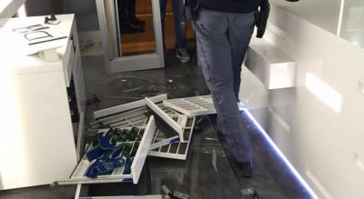 foggia-ottica-del-re-corso-cairoli-furto-nella-notte-indagini-polizia-Cronaca