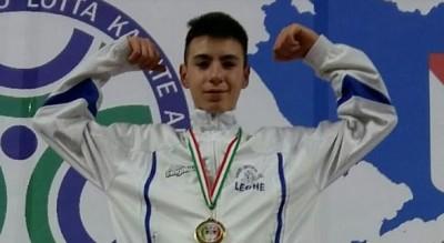 karate-giuseppe-leone-migliore-pugliese-edordiente-45-kg-Sport
