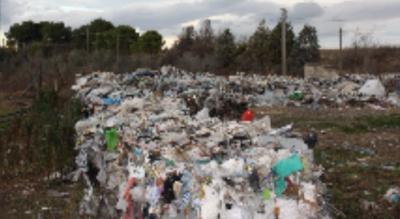 foggia-migliaia-tonnellate-rifiuti-speciali-in-capannone-sequestro-Cronaca
