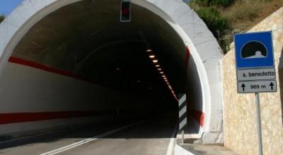 gargano-turismo-anas-chiude-gallerie-mattinata-vieste-Provincia