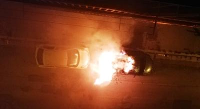 auto-in-fiamme-via-mogadiscio-foggia-vigili-del-fuoco-polizia-Cronaca