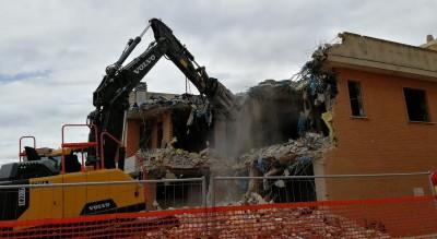 demolizione-palazzina-abusiva-coopcasa-madaga-aumento-costi-comune-Cronaca